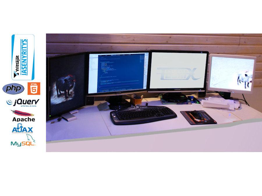 toimistokuva logoilla3